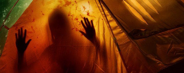 Pariskunnan telttaretki saa karmivan käänteen