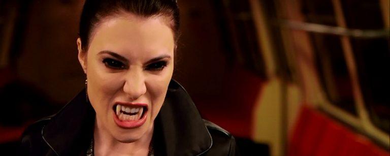 Pelkääkö ystäväsi vampyyreita? Tässä lahjaidea
